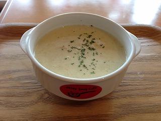 白菜とスモークサーモンのスープ